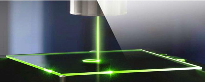 CO2激光切割玻璃的特点,单束非聚焦、单束非聚焦、双束CO2激光热应力切割玻璃是什么样的效果?