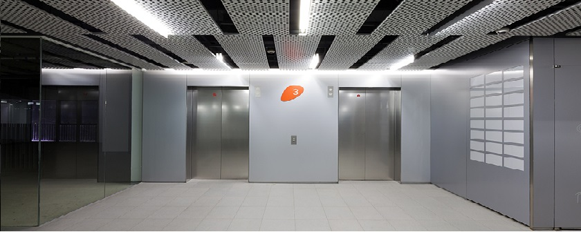 中国经济的蓬勃发展,特别是房地产基础设施的激增,也增加了对电梯和配件的需求。电梯制造和电梯配件行业正迎来一个新的发展阶段。不断增长的产品需求与旧的和落后的生产过程之间的矛盾正在增加,激光技术在电梯制造中的应用也越来越普遍。
