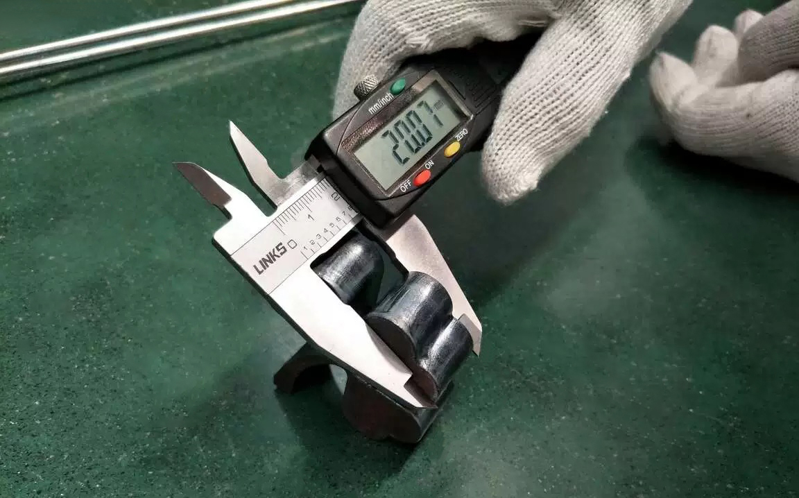 12000W碳钢20mm亮面切割 (4)g.jpg